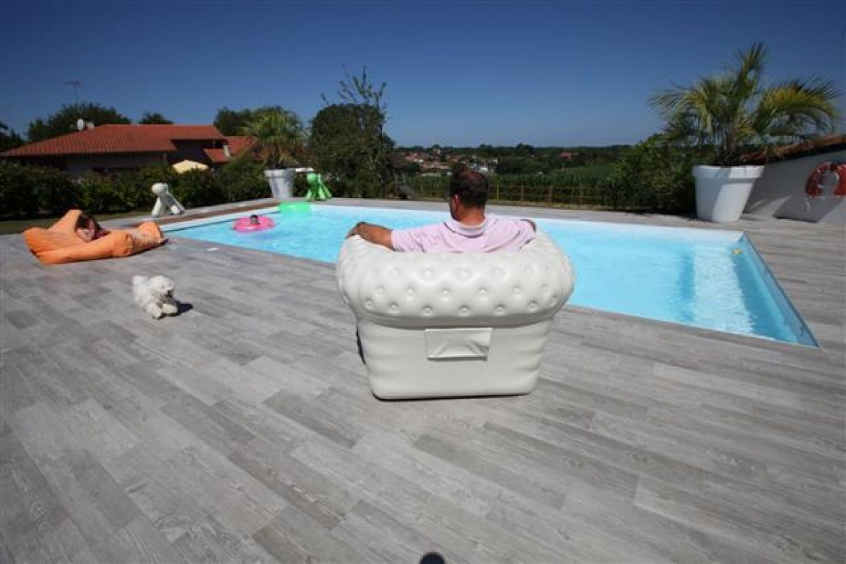 Carrelage terrasse 10mm lorient morbihan 56 for Carrelage piscine