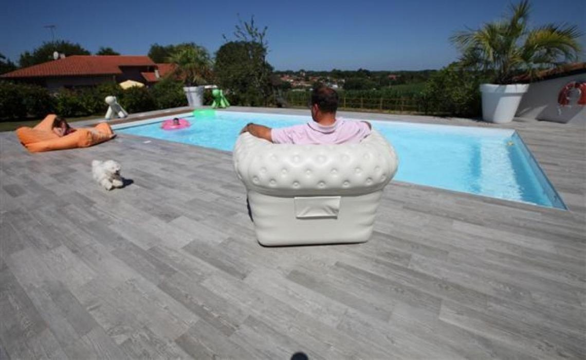 Carrelage terrasse 10mm lorient morbihan 56 for Carrelage autour piscine